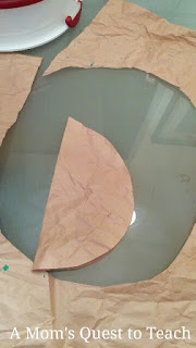 traced circle for wreath