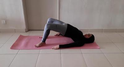 Yoga, pelvic tilt pose, glutes exercise, cara hilangkan sakit pinggang dengan cepat, postnatal yoga, senaman untuk naikkan punggung dan payudara,