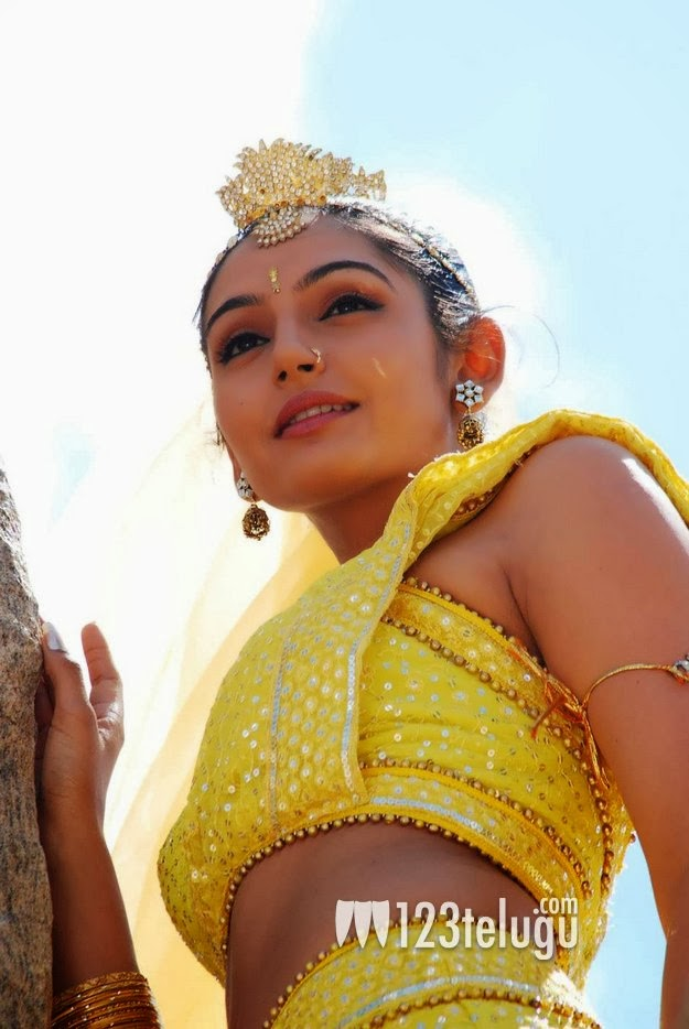 Ragini Dwivedi Latest Hot Photos,