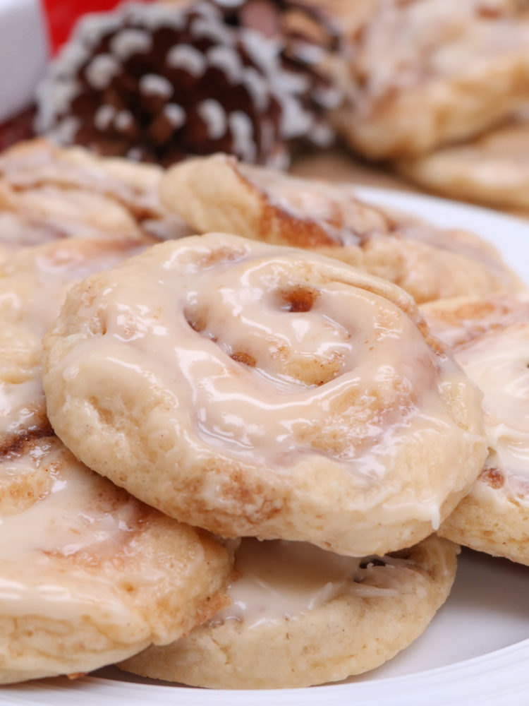 Soft & Fluffy Cinnamon Roll Cookies