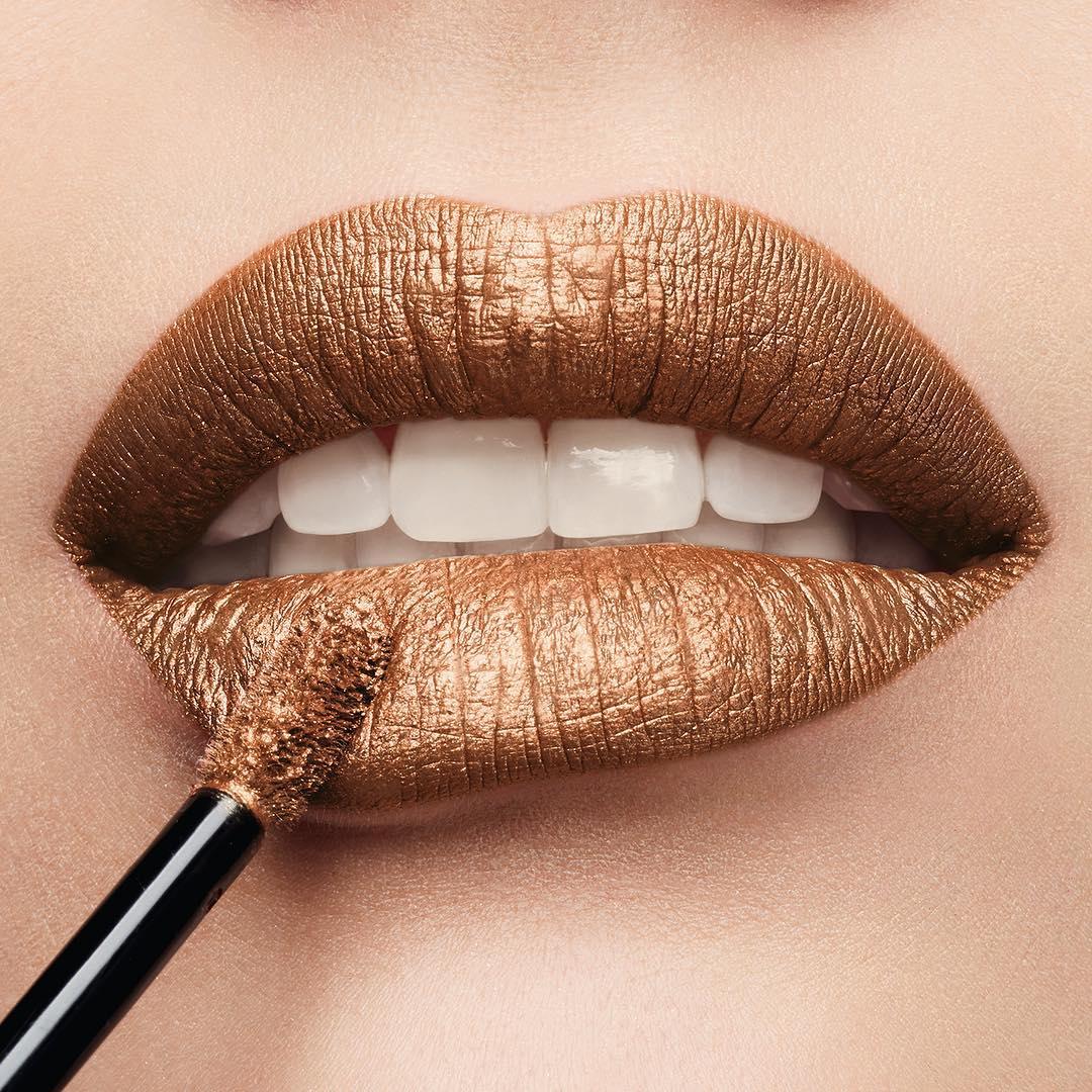 2Cream-Lip-Stain-Liquid-Lipstick-Metal-63-golden-party-swatch