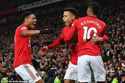 M.U sẵn sàng bỏ qua Kane, Sancho vì bộ 3 này