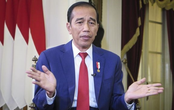 Imbau Rakyat Tetap Waspada Covid-19, Netizen Sebut Jokowi Presiden Beban: Waspada Doang Gak Ada Solusinya!