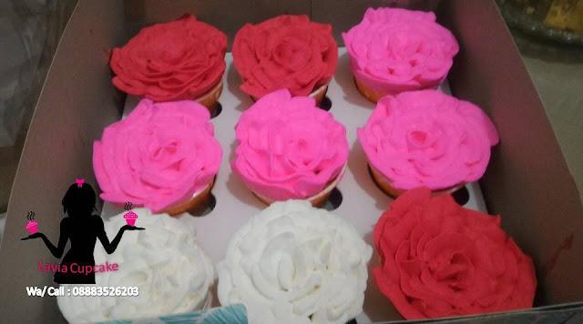 Cupcake Bunga Mawar Buat Ultah Pacar Tersayang
