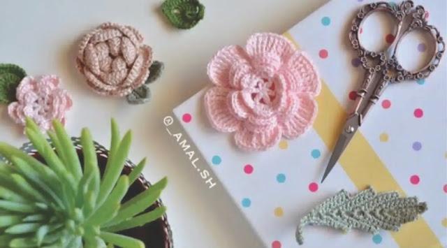 Aprende a tejer una hermosa rosa a ganchillo en menos de 12 minutos