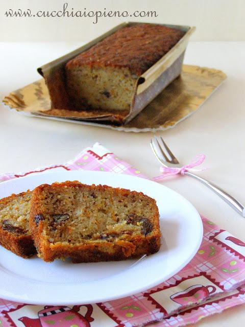 Esse bolo de abóbora e nozes tem um sabor surpreendente, vale a pena experimentar!
