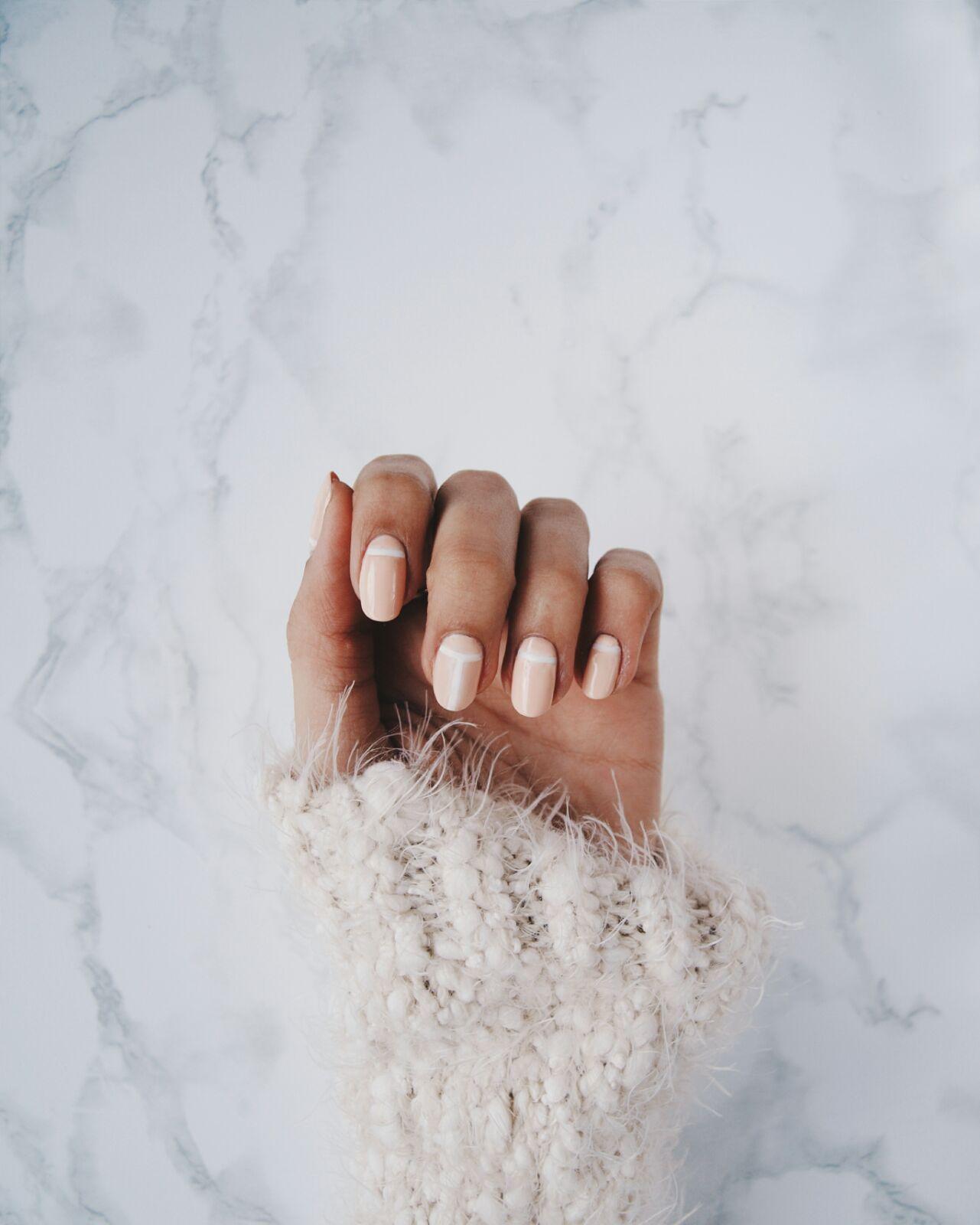 coastalandco-minimal-manucure-manicure-beauty-beaute-belleza-manicura-beige-white-nude-sephora-kiko-mac-nars