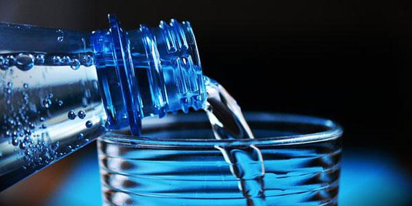 Jaga Kesehatan Tubuh dengan Mengonsumsi Air Alkali