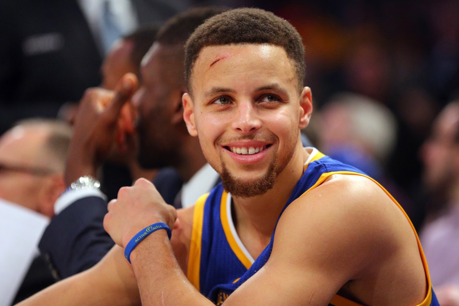 Steph Curry explains why he writes Philippians 4:13 on his sneakers