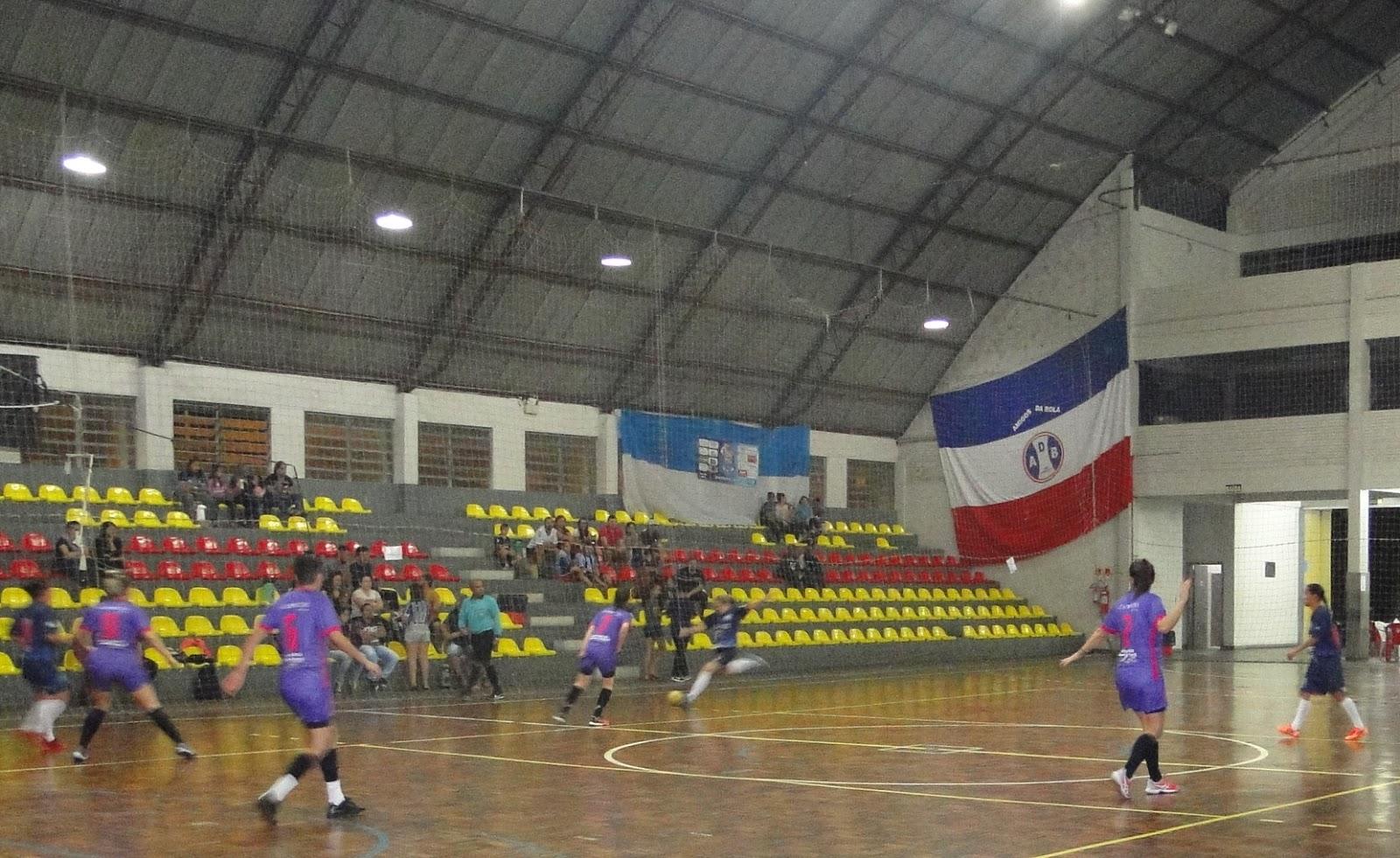 Esporte Campo Bom 2019  Rola a bola no Municipal de Futsal Feminino 38e8bbf6b8e50