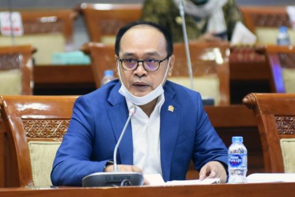 Viral Kades Pasang Baliho 'Enak Zaman PKI', Elite Golkar: Harusnya Calon Kades di Tes Wawasan Kebangsaan Dulu