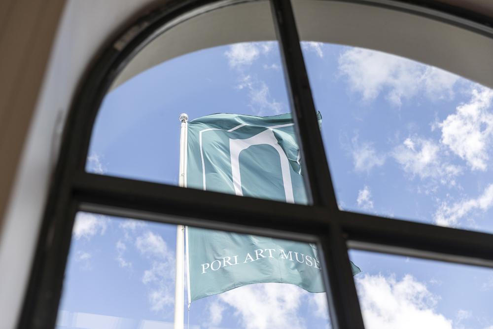 Pori, Porin Taidemuseo, art, taide, Rakastuporiin, Frida testaa Porin, jokiranta, Porin Kaupunki, Visualaddict, valokuvaaja Frida Steiner, Visitpori, lippu, Suomi, kesä