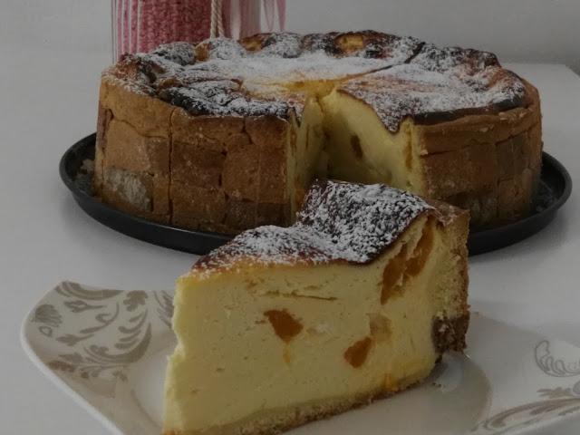 lecker, fruchtig süß, Topfentorte gebacken