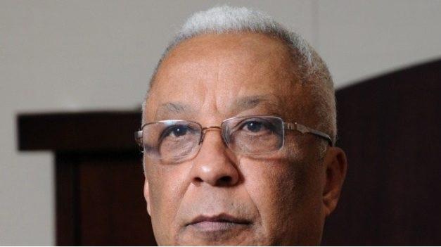 Exministro de Hacienda ve dramática situación de la economía dominicana
