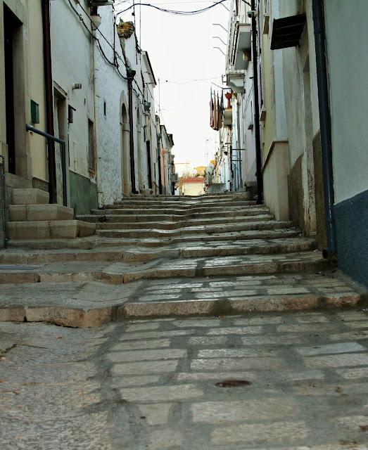 borgo antico, Minervino, borgo antico di Minervino, gradini, scale, abitazione, stradina