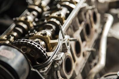 Perbedaan antara spark ignition dan compression ignition