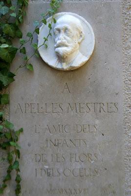 Monument a Apel·les Mestres : l'amic dels infants, de les flors i dels ocells - Parc de la Font del Racó (Barcelona) per Teresa Grau Ros