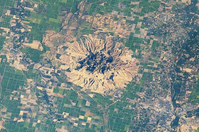 The World's Smallest Mountain And Mountain Range