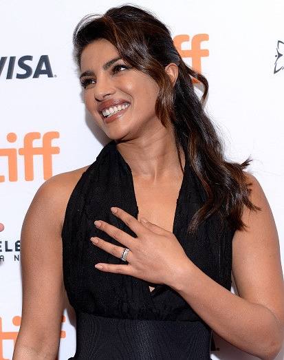 Priyanka chopra hot sleeveless images