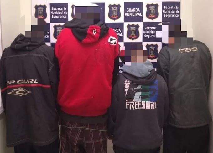 Quatro são presos por tráfico no bairro Granja Esperança em Cachoeirinha