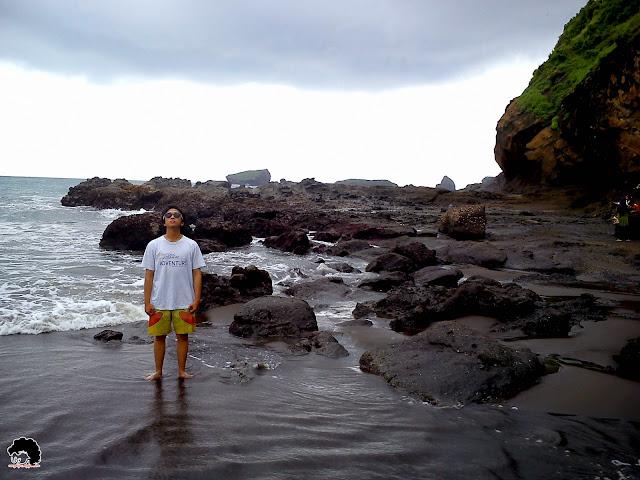 Pantai Watu Ulo, Jember (model : Maulana Akbar)