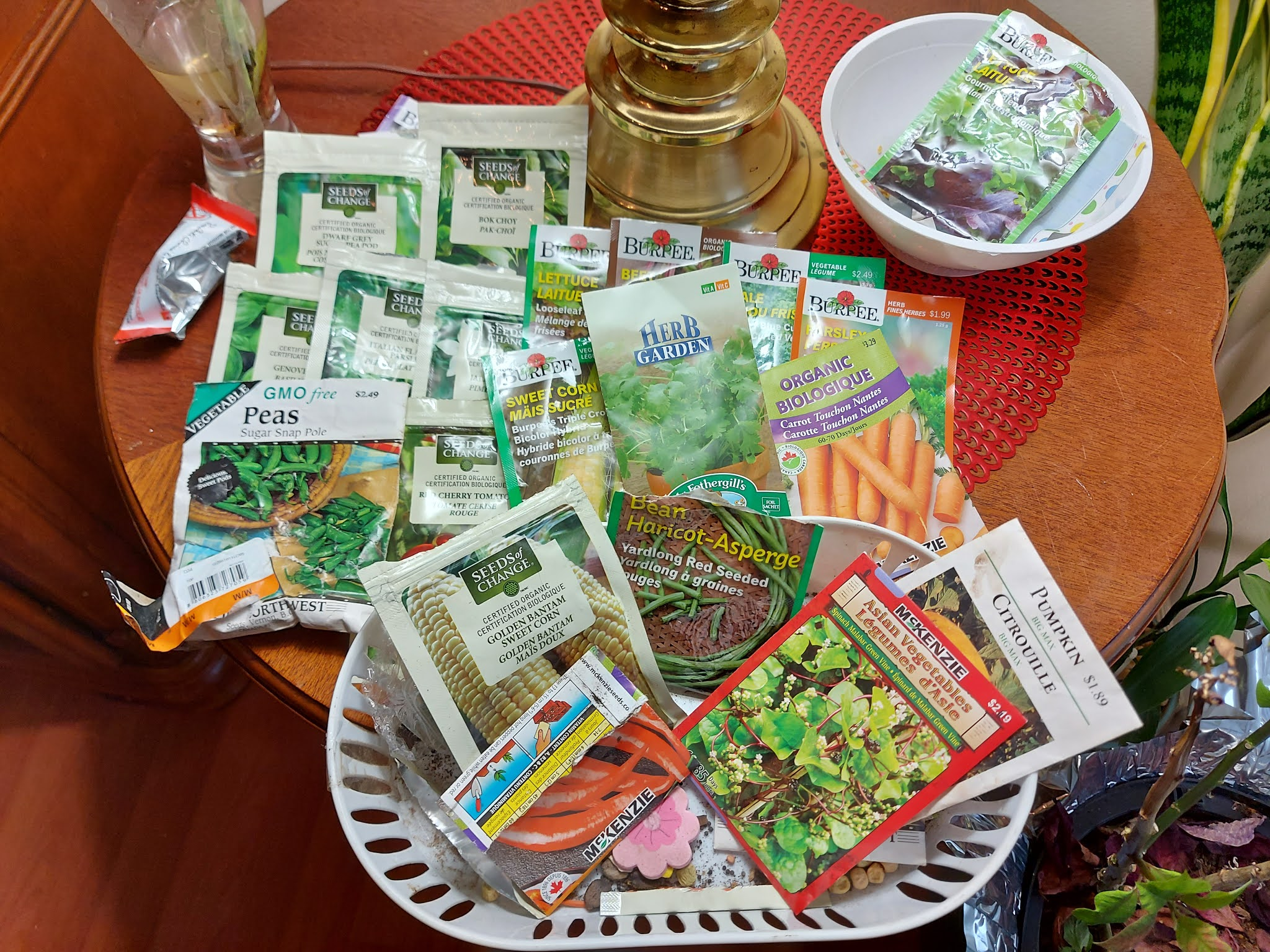 Varities of non gmo and organic seeds vegetables.