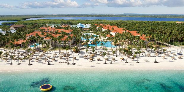 With palm-studded beaches & turquoise waters, Dreams Palm Beach Punta Cana - Luxury All Inclusive in Dominican Republic is an idyllic haven for couples & families alike. Book today with us!