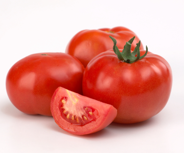 Tomatoes contain a lot of magnesium, iron, potassium, phosphorus, chlorine, sulfur, calcium, sodium and iodine. Tomatoes also contain a lot of amino acids and in which there are manifold types of vitamins such as vitamin A, B, C and G.