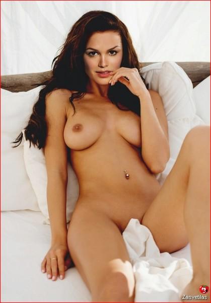 Рэйчел Билсон голая грудь