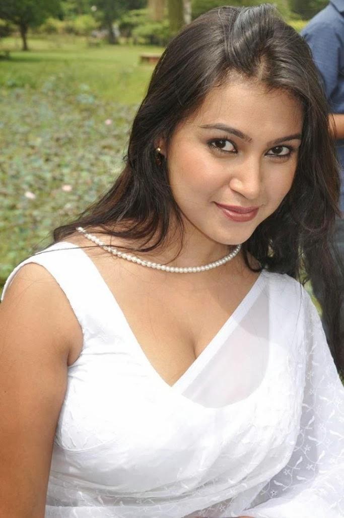 Bangladeshi girl sony sexy with bf - 4 1