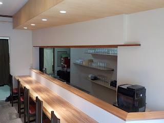 上諏訪駅近くで、小料理屋「小料理こうた」様の改修工事をさせていただきました。