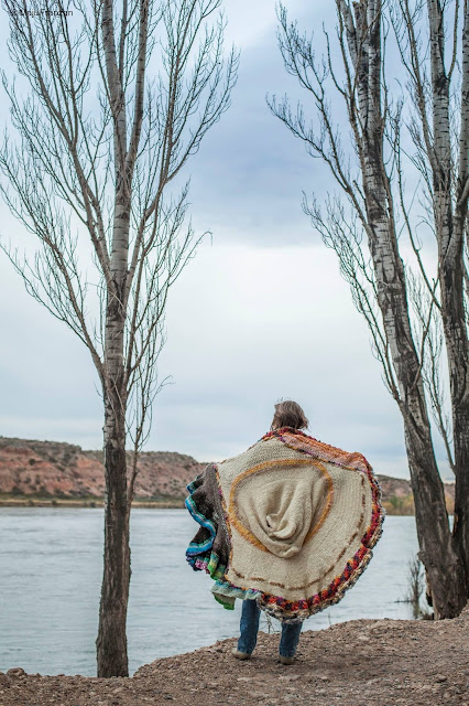 arte textil - arte contemporáneo- Laura Mozzi - fotoperformance - patagonia