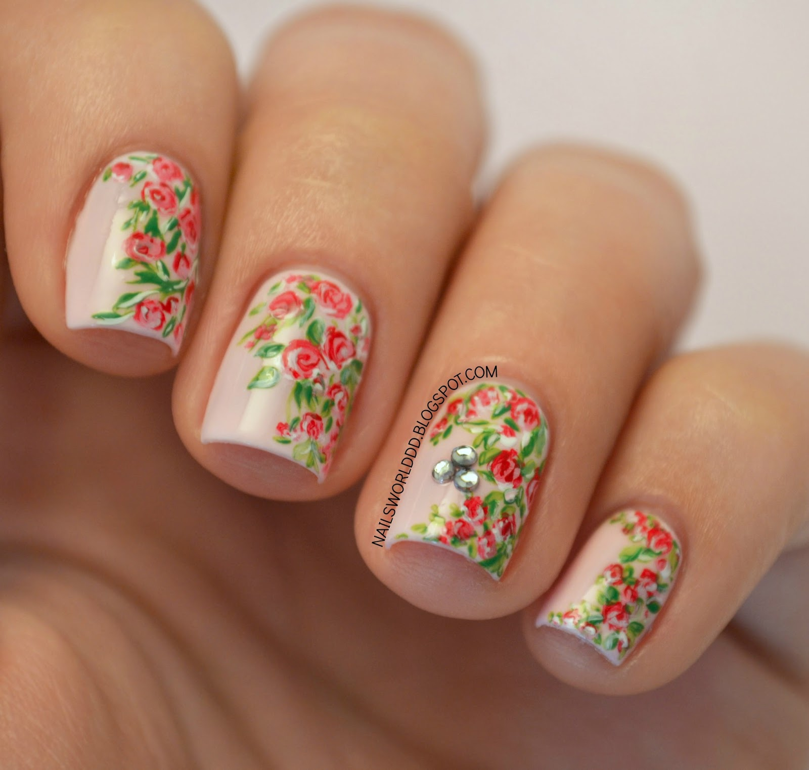 NAILS WORLD: VINTAGE FLORAL NAIL ART
