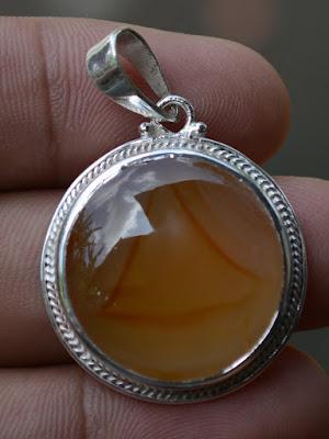 iluminati pendant