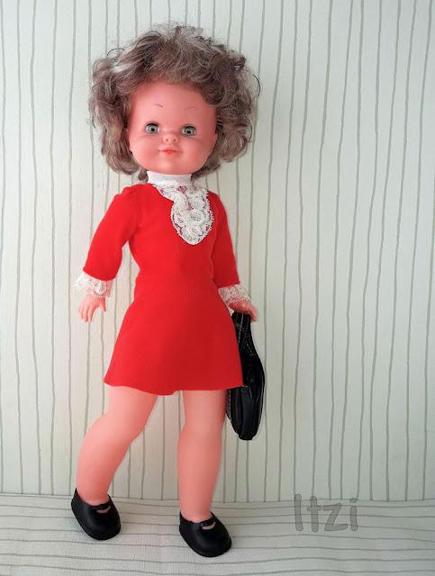 Bambinela de Esvi , Muñeca española Moderna, vestido rojo Bambinela