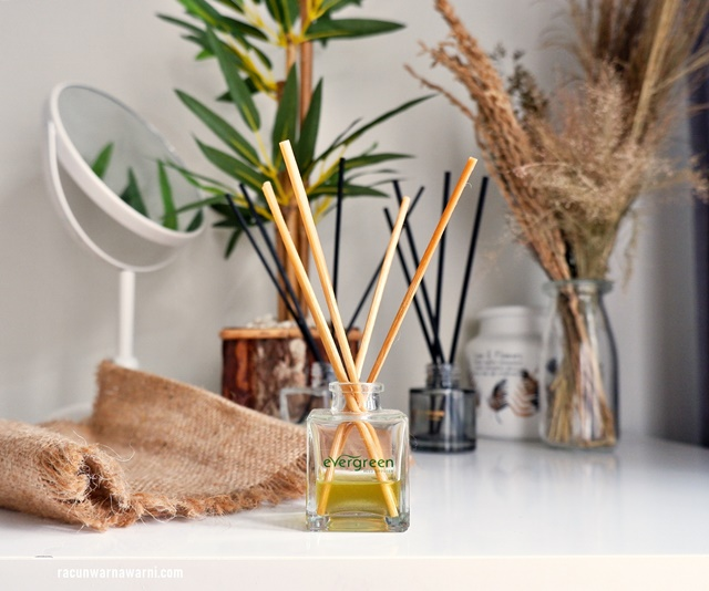 Review Evergreen Reed Diffuser