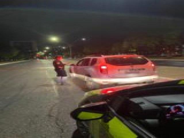 O Detran recolheu 16 veículos que somam 337 multas