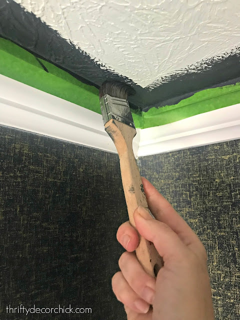 Tips for painting a bathroom ceiling