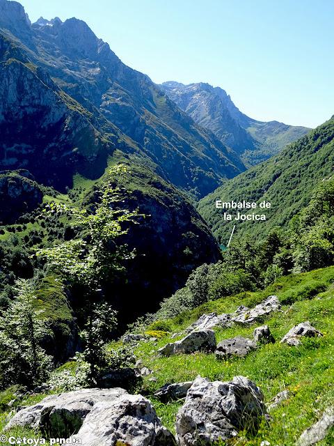 Vistas hacia el Embalse de la Jocica desde la Senda del Arcediano.