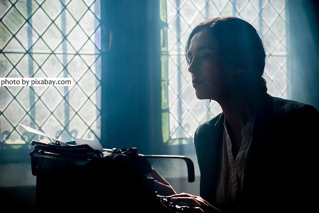 Kemampuan yang wajib dimiliki penulis dalam menulis deskripsi