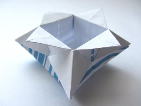 Origami Star Box (traditional model) - YouTube | 338x450