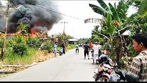 Breaking News, Sijago Merah Mengamuk Disiang Hari,  Menghanguskan Rumah Warga