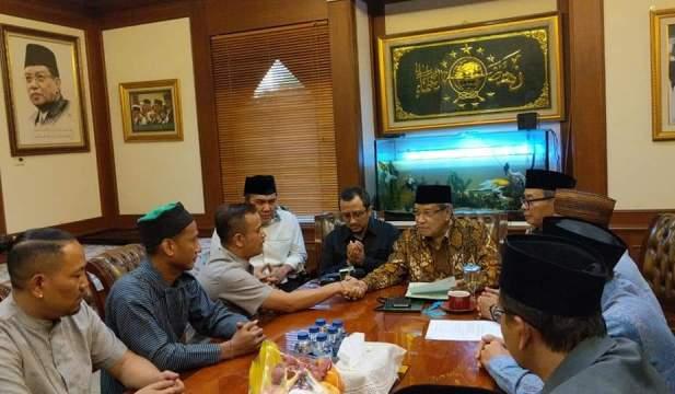 Nyaman Bergaul dengan Warga NU, Pria Asal Riau ini Memutuskan Masuk Islam