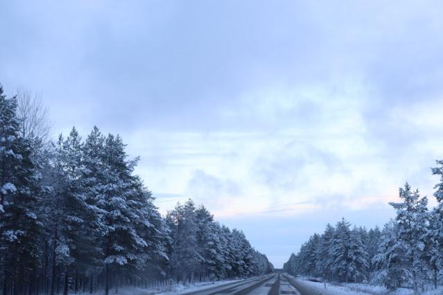 reissussa, shoppailureissu, talvi, jouluinen maisema