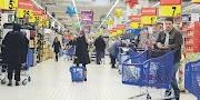 Hypermarche Recrute 60 Employés De Commerce Caissiers Et Services