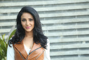 priyashri new sizzling stylish photos-thumbnail-14