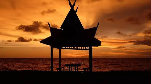 Keindahan Pantai Tanjung Penghujan di Pangkalanbun Sunset