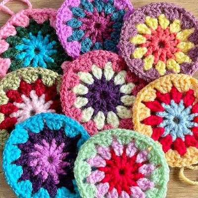 Crochet motifs - pattern is Flowers in the Snow blanket by Solstrikke