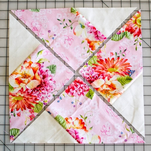The Whirlwind Quilt Block - Tutorial
