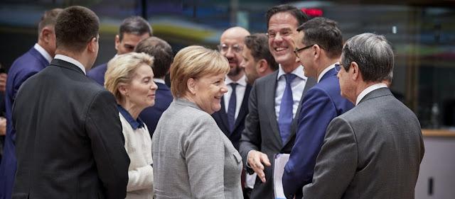 Βερολίνο: «Όποιος θέλει να δανειστεί να μπει σε Μνημόνιο»!